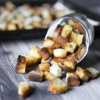 Homemade Garlic Parmesan Croutons | tasteslovely.com