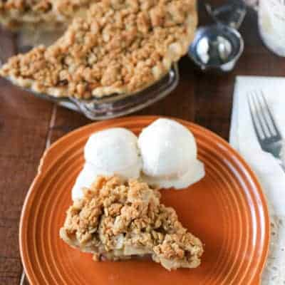 Apple Crumble Pie | tasteslovely.com