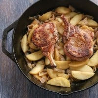 Pork Chops with Vanilla Apples & Shallots