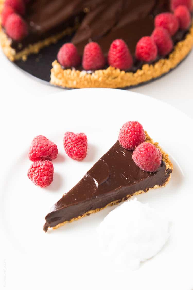 Healthy Chocolate Tart (Paleo, Vegan, Gluten Free, Dairy Free)