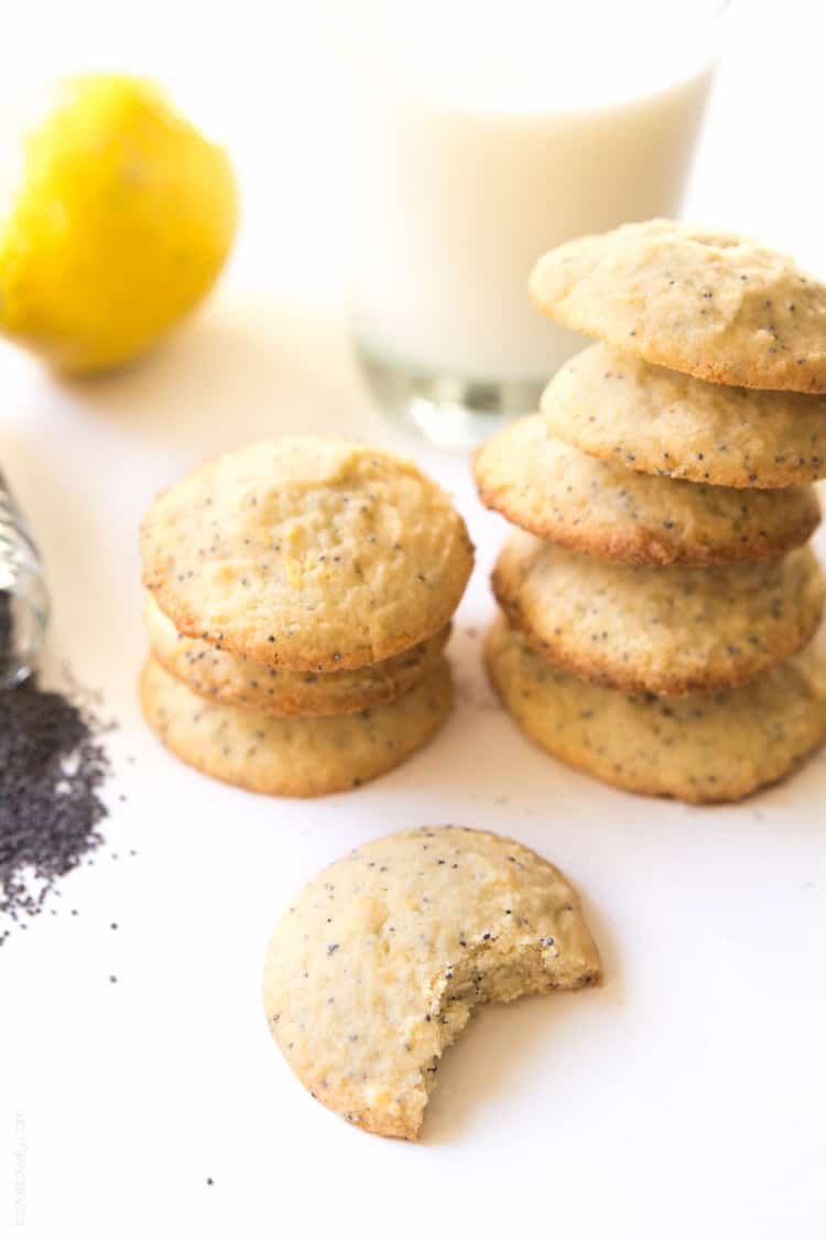 Lemon Poppy Seed Cookies, a light and lemony sweet treat!
