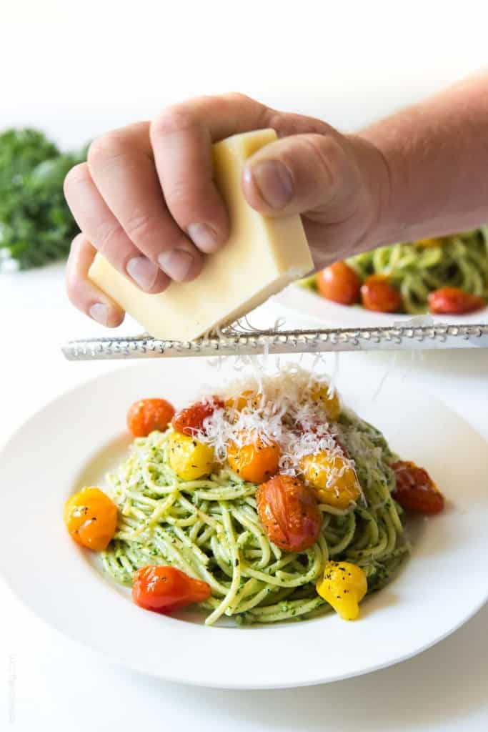 Kale Walnut Pesto & Blistered Tomato Pasta - a healthy and delicious vegetarian summer pasta
