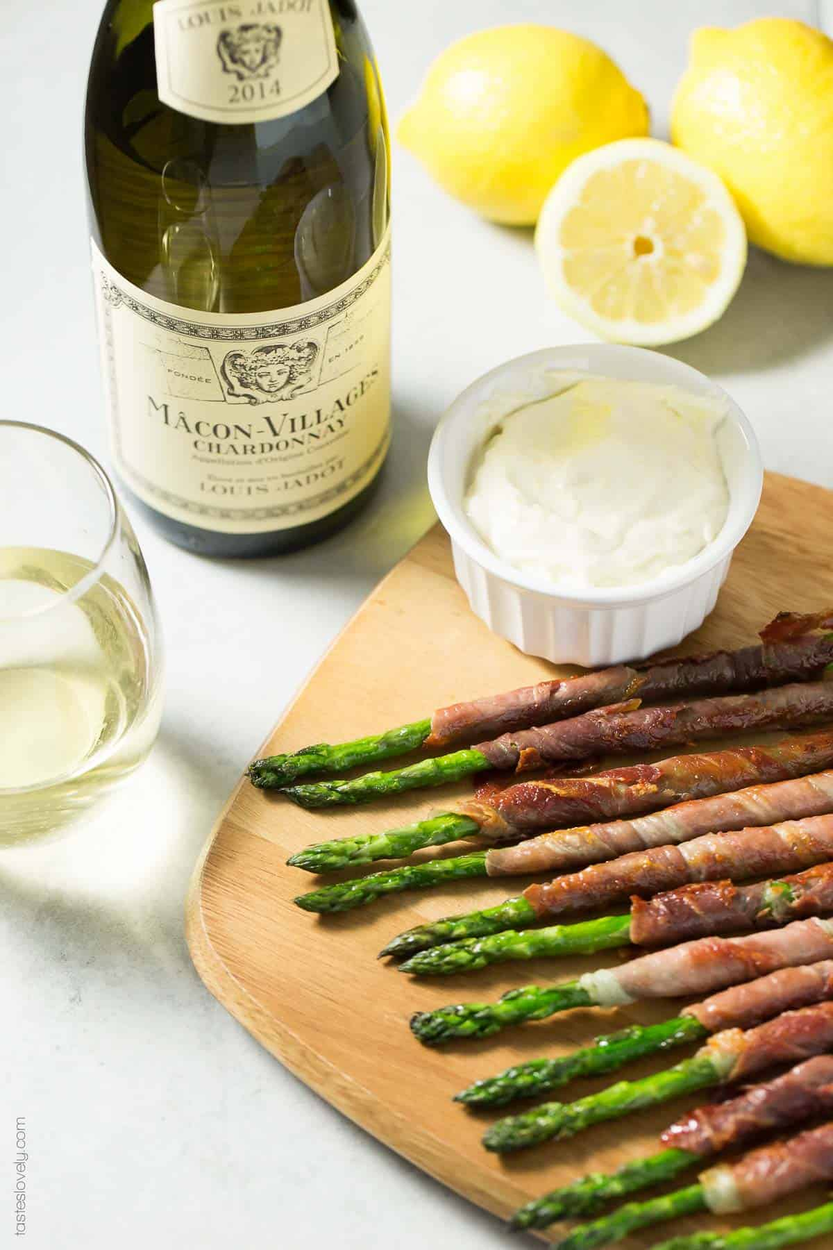 Paleo Prosciutto Wrapped Asparagus appetizer with lemon garlic aioli (paleo, gluten free, whole30, low carb)
