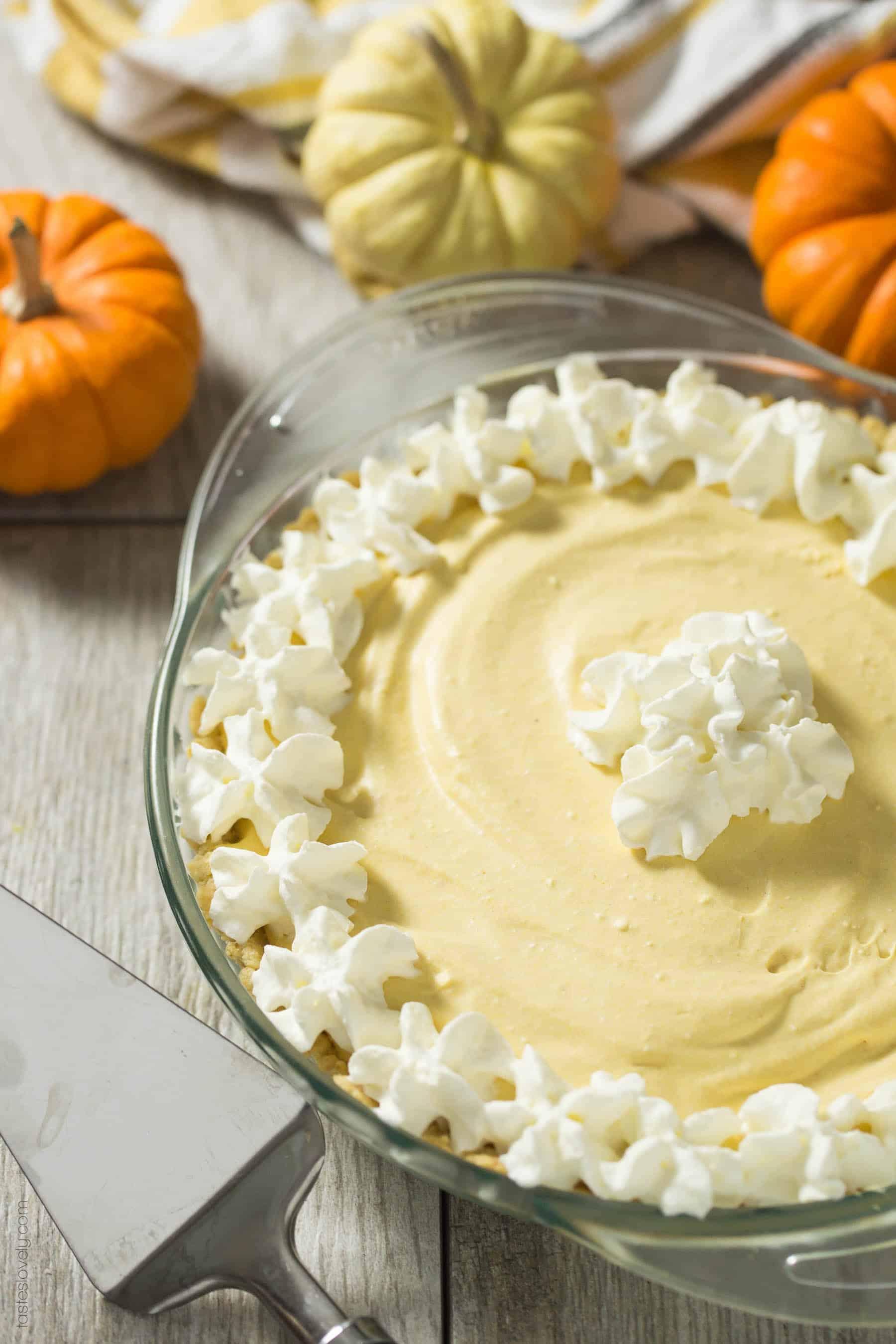 Paleo Pumpkin Cream Pie (gluten free, dairy free, refined sugar free and healthy dessert)