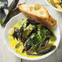 Creamy Beer Steamed Mussels