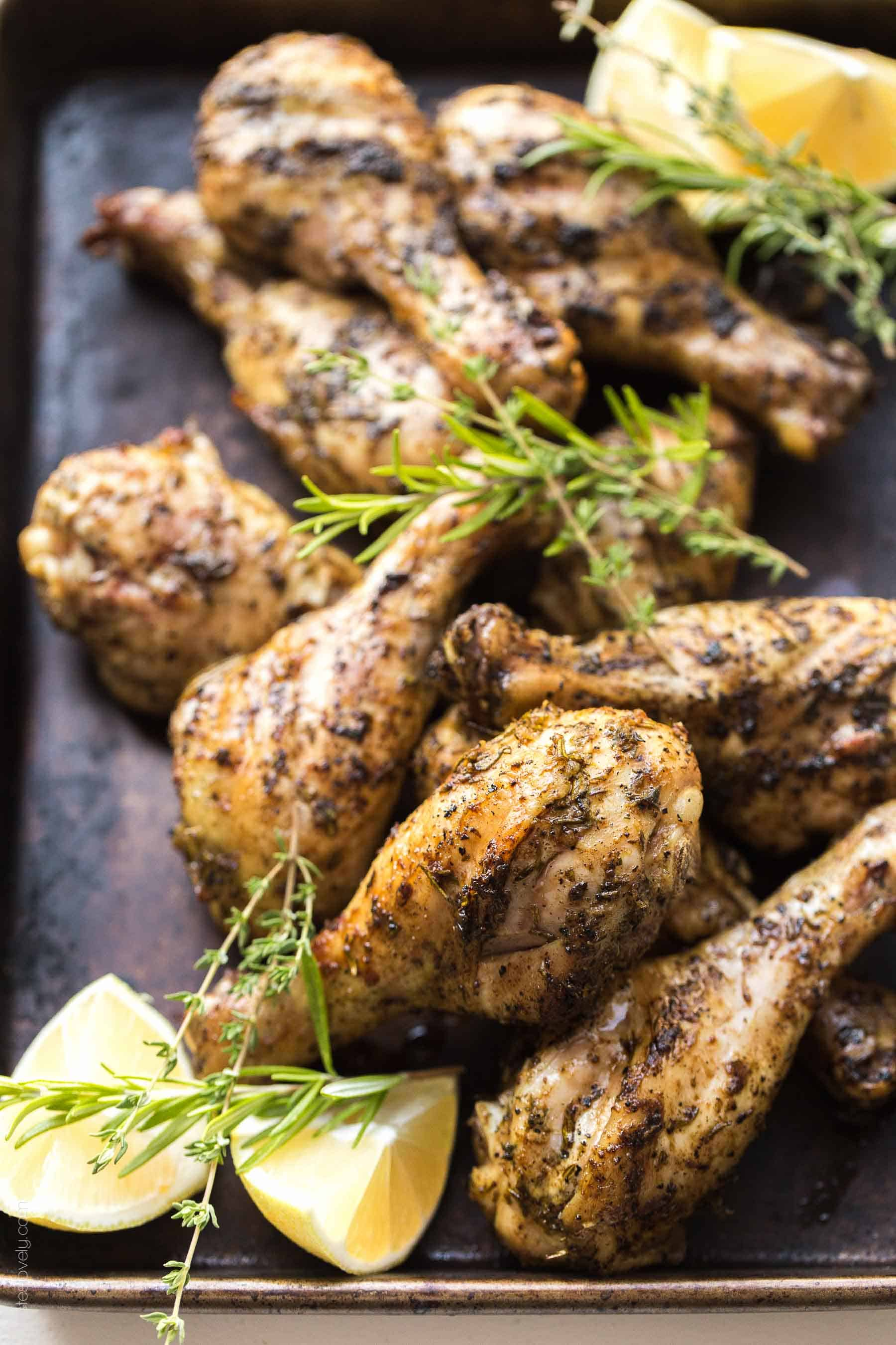 Paleo & Whole30 Lemon Herb Grilled Chicken Drumsticks - a simple and healthy dinner recipe! (gluten free, dairy free, sugar free, grain free, clean eating, low carb)