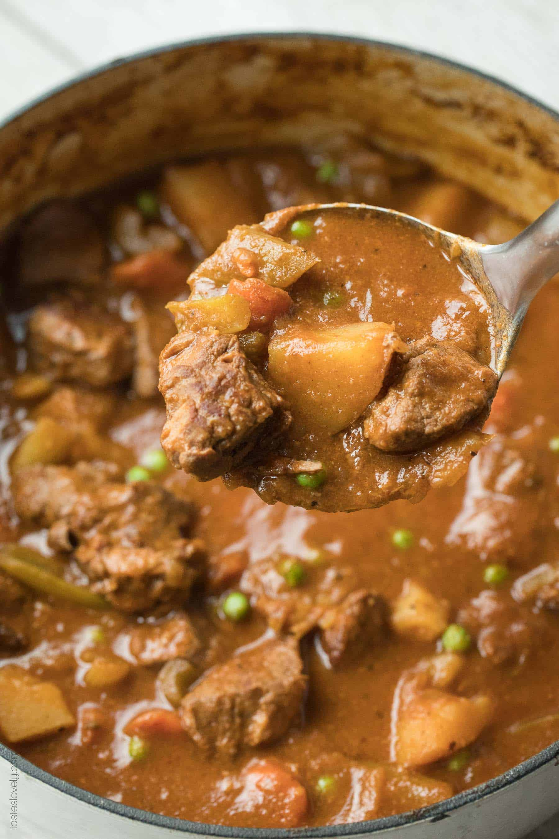 Paleo & Whole30 Beef Stew - dutch oven and slow cooker recipe. So healthy and delicious! Gluten free, grain free, dairy free, sugar free, clean eating.