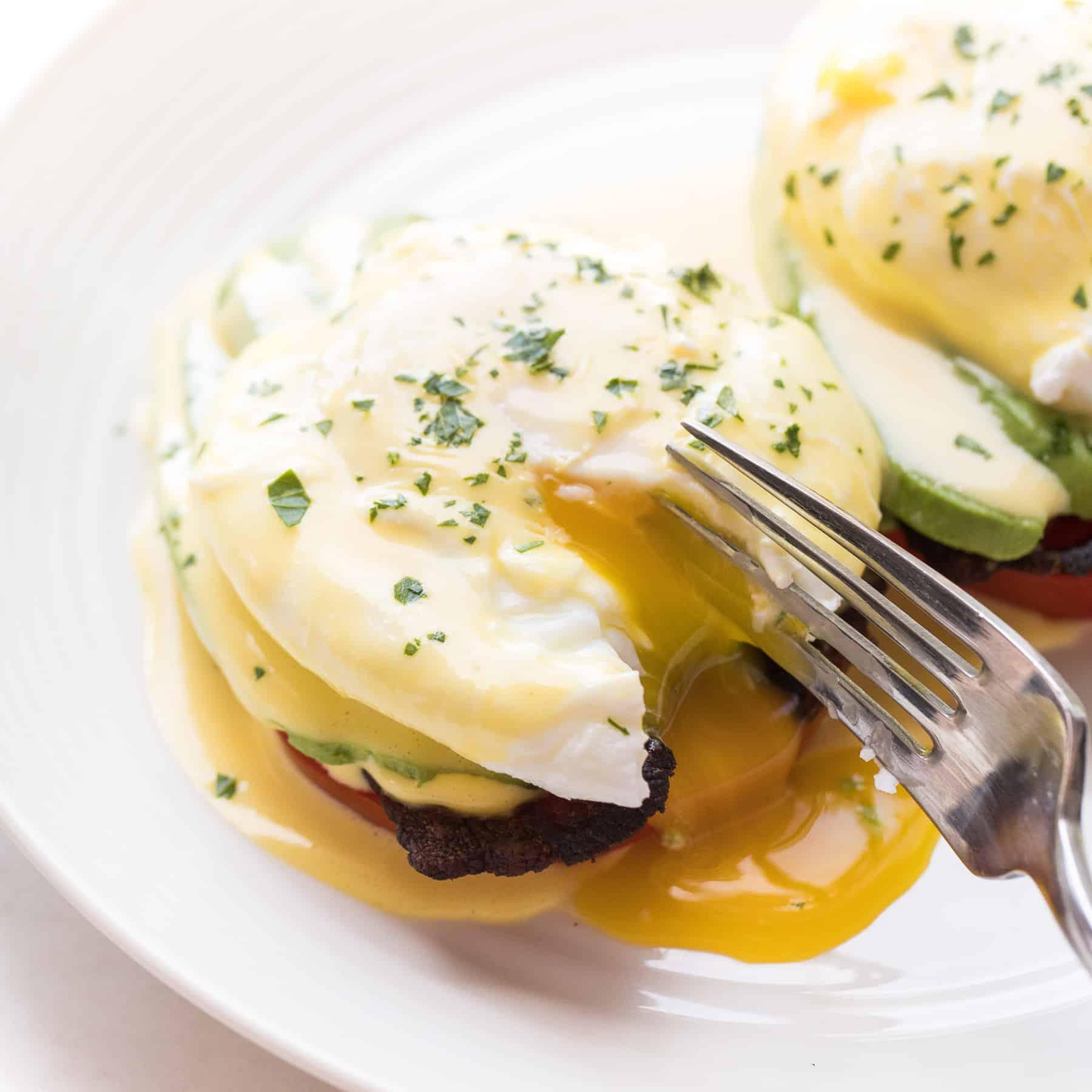 Whole30 + Keto California Eggs Benedict - Tastes Lovely