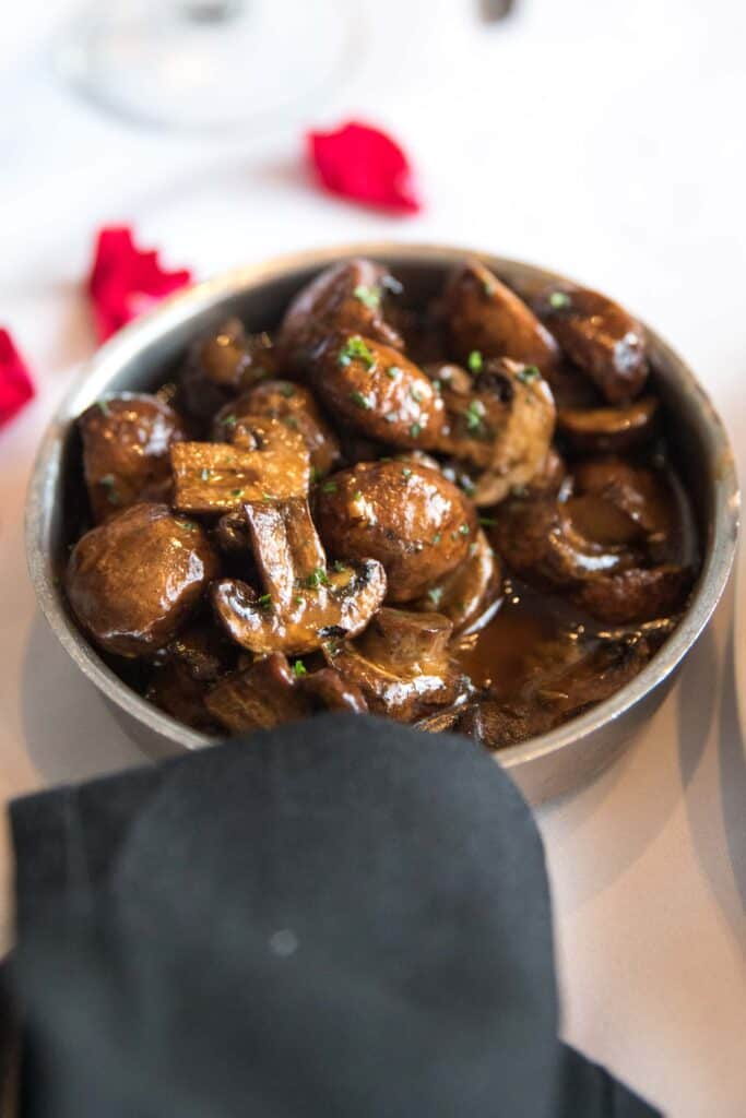 crimini mushrooms at ruth's chris steakhouse keto friendly menu